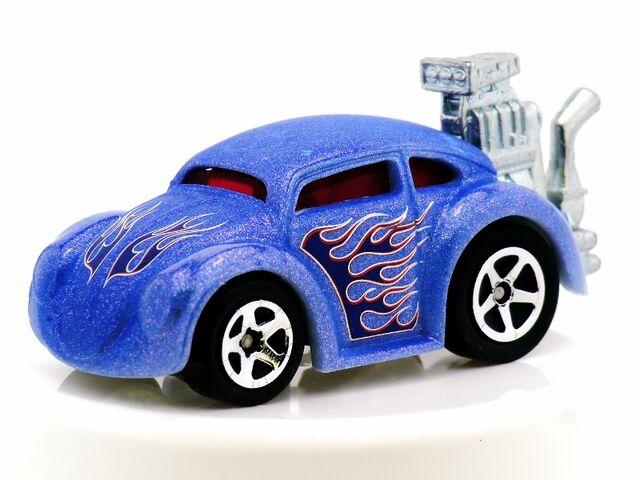 File:Tooned VW Bug-2014 Color Shifters(Warm).jpg