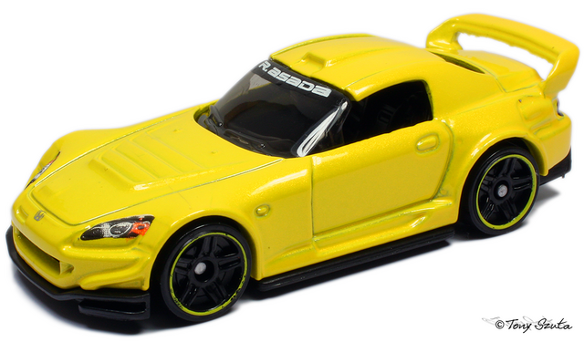 File:Honda s2000 2011 yellow.png