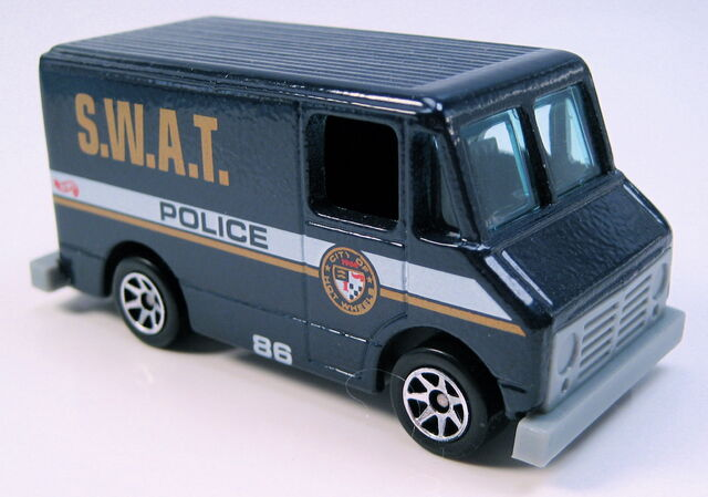 File:Delivery Truck Swat Police dark blue blk int 7sp wheels MAL base.JPG