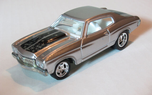 File:70Chevelle2005HolidaySilver.jpg