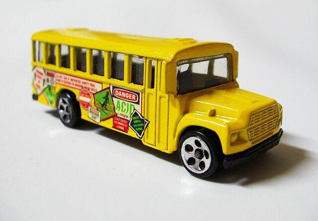 File:School Bus Mixed Signals.jpg