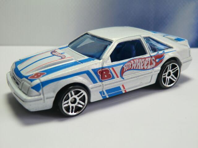File:'92 Ford Mustang CIMG1778.JPG