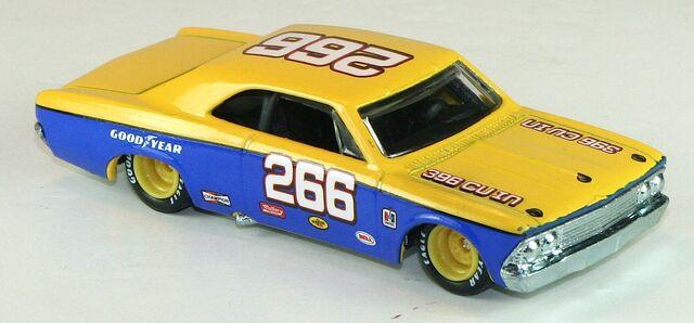 File:2012-HWR-Stockcar-66Chevelle-YellowBlue.jpg