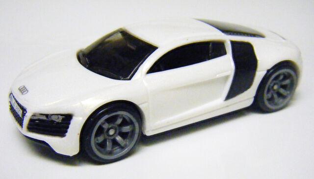 File:Audi R8 - 10 Speed Machines.JPG