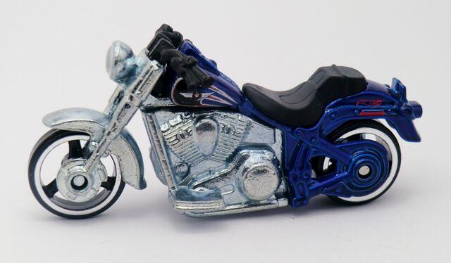 File:Harley-Davidson Fat Boy-2013 Motor Cycles.jpg