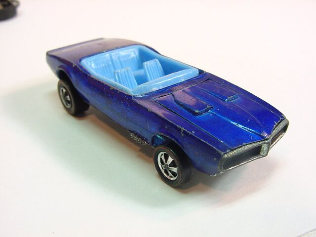 File:1968 customg firebird early DD wheels blue on blue HK.jpg