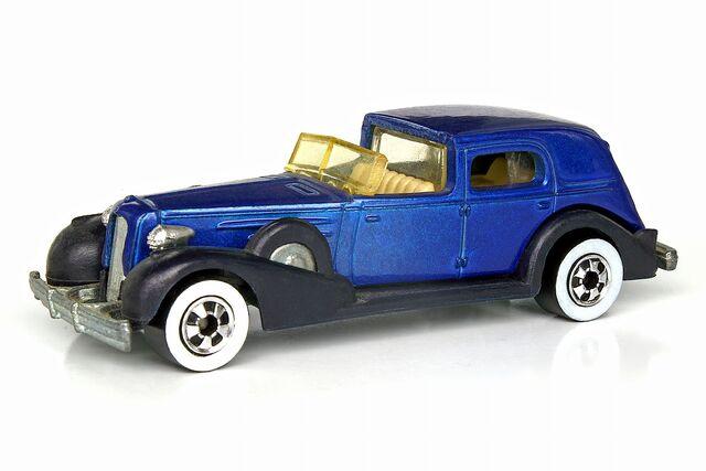 File:'35 Classic Caddy Classics - 5379df.jpg