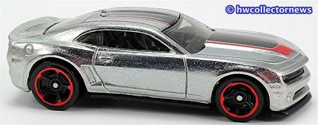 File:2013-Chevy-Camaro-zamac-14.jpg