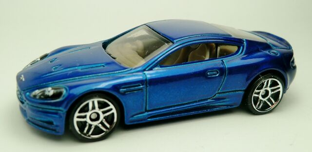 File:Aston Martin DBS-2013 153 Asphalt Assault.jpg