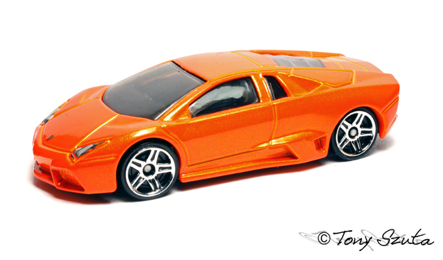 File:Lamborghini reventon orange 2011.png