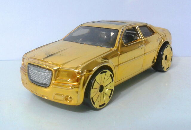 File:Chrysler 300C Hemi - Gold Rides 1 - 07 - 1.jpg