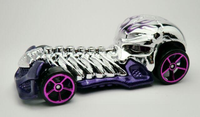 File:Skull Crusher-2013 141.jpg
