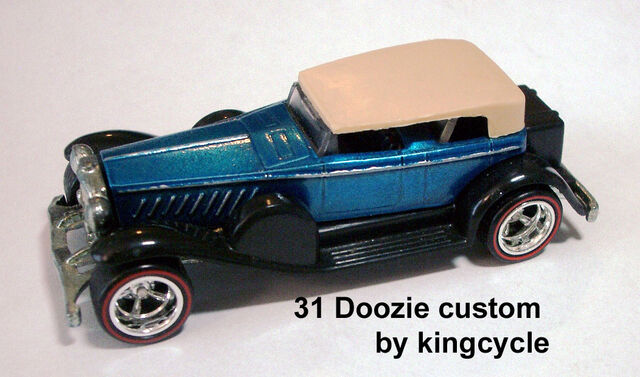 File:31 Doozie - blue custom by kingcycle.JPG
