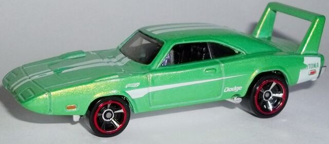 File:HW-2014-234-'69 Dodge Charger Daytona-MuscleMania.jpg
