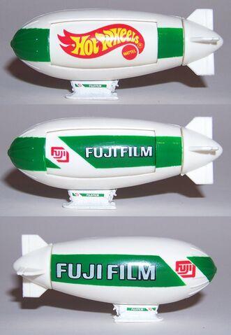 File:Blimp fuju 3view.jpg