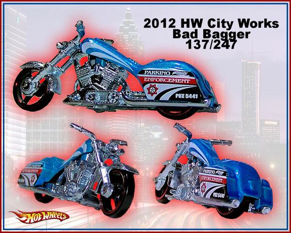 File:2012 HW City Works Bad Bagger 137-247.jpg