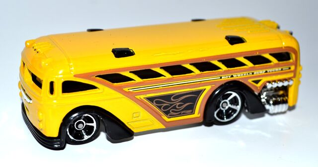 File:Surfin' School Bus 002.JPG