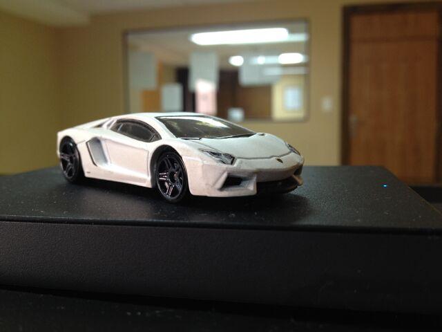 File:Lamborghini Aventador White.JPG