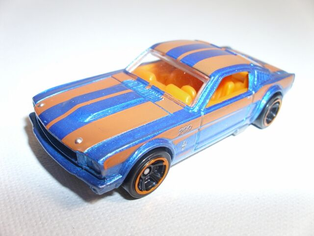 File:Ford Mustang Fastback (800x600).jpg