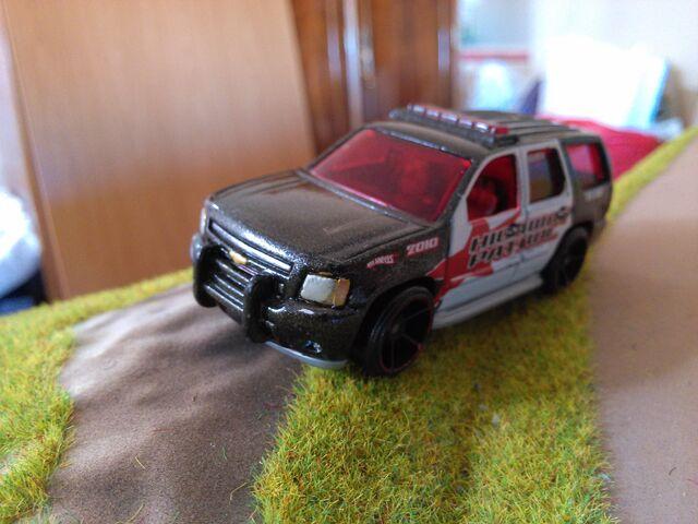 File:Hot wheels tahoe police pursuit.jpg
