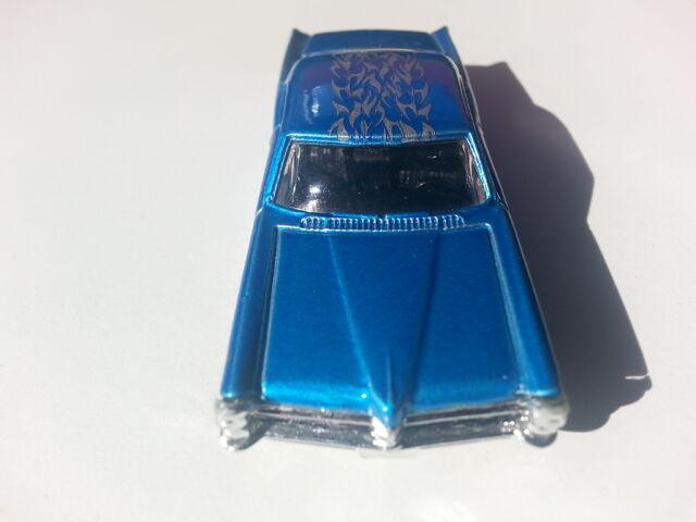 File:'65 Pontiac Bonneville front.jpg