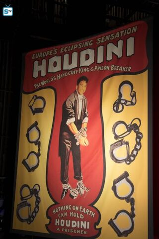 File:HOUDINI AND DOYLE EP1 07 595 Mini-Logo-TV-white-Gallery.jpg