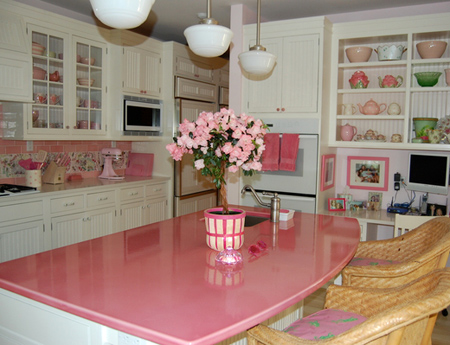 File:Pink-kitchen.jpg