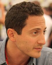 Sasha Roiz at Comic-Con 2011 cropped