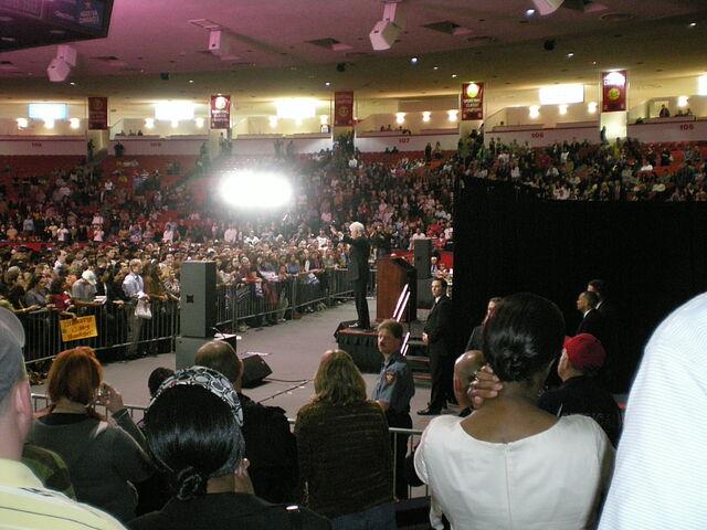 File:President Bill Clinton at the University of Houston.jpg