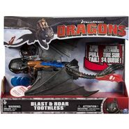 DreamWorks Dragons Deluxe Electronic Blast and Roar Toothless2