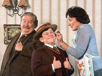 File:Dudley Dursley and Parents.jpg