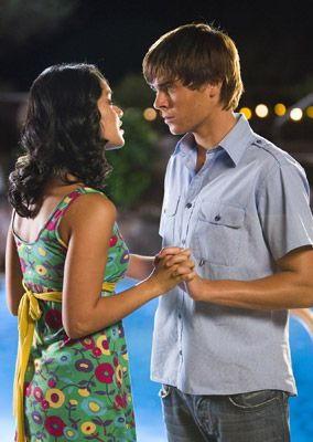 Did troy and gabriella dating in real life