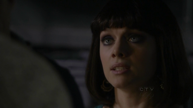 File:Wikia HT - 'Bridge and tunnel' Victoria confronts Connor.png