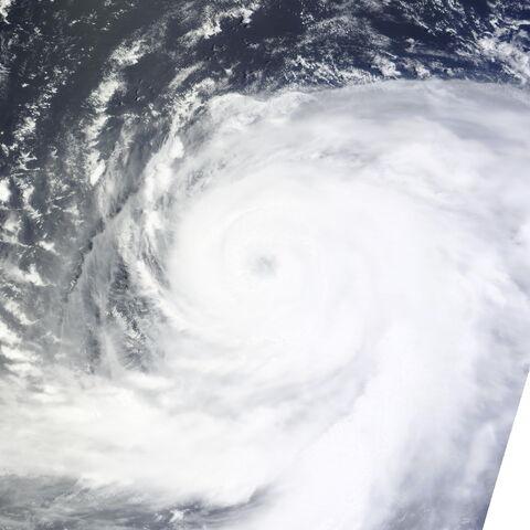 File:Typhoon Ma-on 2011-07-16 0150Z.jpg