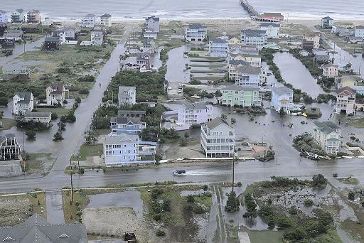 File:Hurricane Arthur Rodanthe Pier Hatteras Island flooding.png