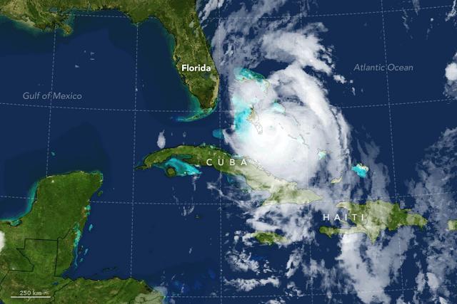 File:Hurricane Matthew en route to Florida.png