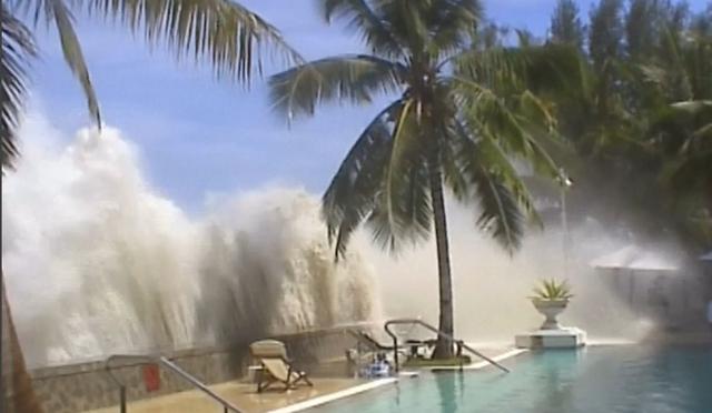 File:Tsunami (44).png