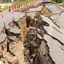 Earthquake-Split-Road-1