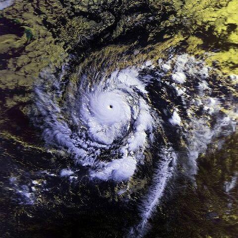 File:Hurricane Emilia 19 july 1994 1656Z.jpg
