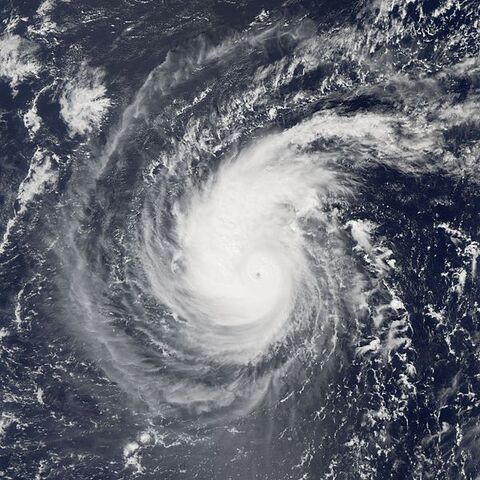File:Typhoon Longwang 27 sep 2005 0350Z.jpg
