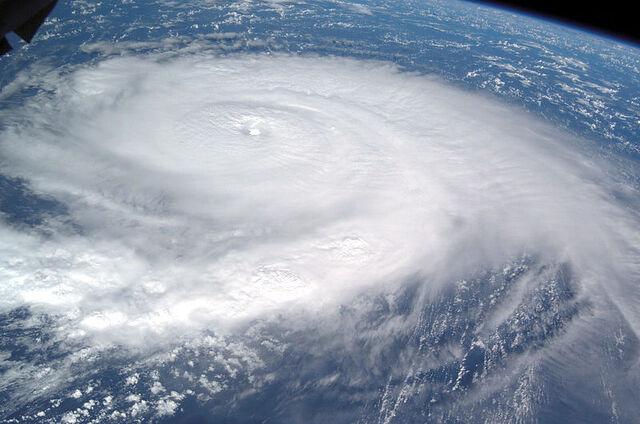 File:Frances ISS aug 30 2004 1216Z.JPG