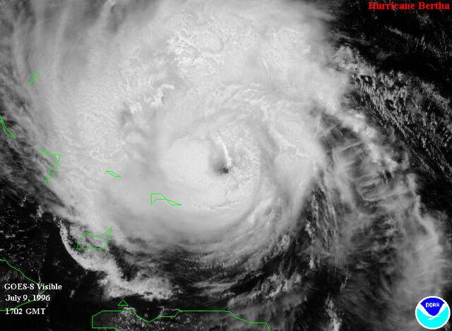 File:Hurricane-bertha3.jpg