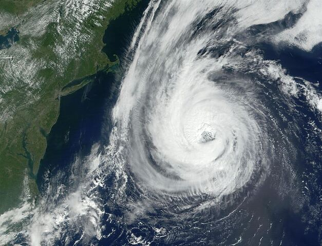 File:Hurricane Erin 11 sept 2001 1515Z.jpg