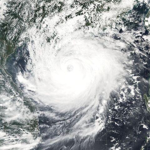 File:Typhoon Damrey 2005.jpg