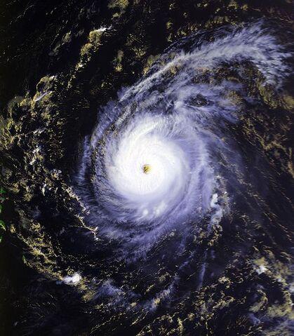 File:Hurricane Edouard 26 aug 1996 1744Z.jpg
