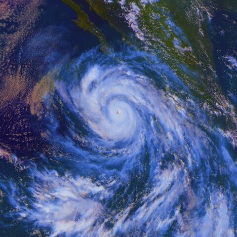 File:Hurricane Linda 12 sept 1997 2100Z.jpg