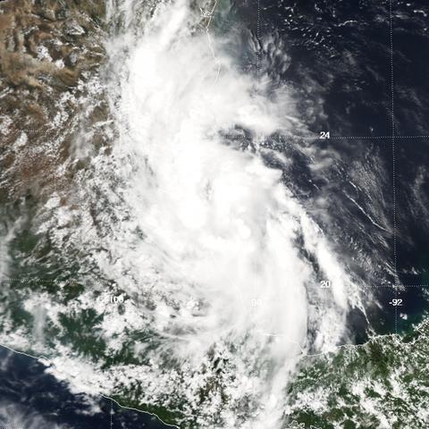 File:Tropical Storm Gert (2005).png