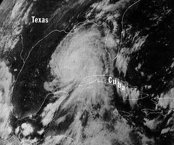 File:Hurricane Camille 16 aug 1969 2140Z.jpg