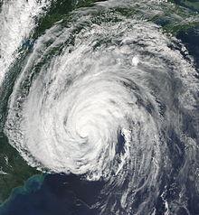 File:220px-Hurricane Earl 2010-09-03 1750Z.jpg