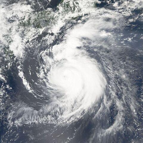 File:Typhoon Mawar 24 aug 2005 0405.jpg
